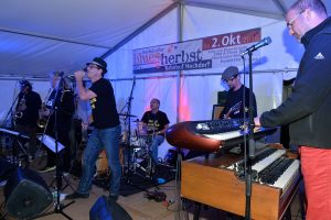 Blues Blaster Seven: Summer in the city and blues on stage mit BB7